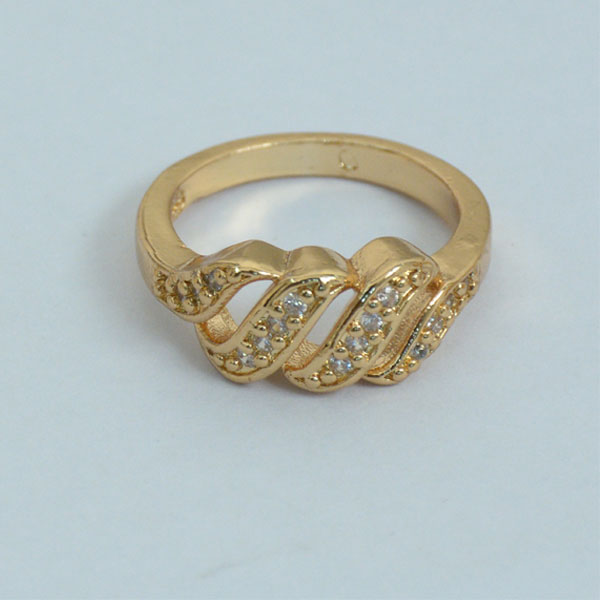 Chain Shape Gold Plated Diamond Ring